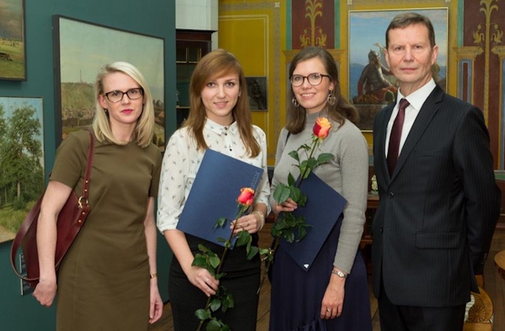 small-kodukale-stipendiaatide-ja-rektoriga-2017